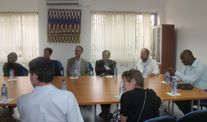 Mr. Paul Maritz and a delegation from Harvard and University of Washington visit IIAS